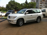 Автомобили для VIP обслуживания. Джипы TOYOTA LAND CRUISER