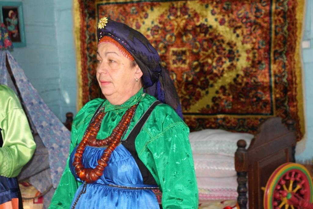 Тарбагатай, староверы женщина.jpg